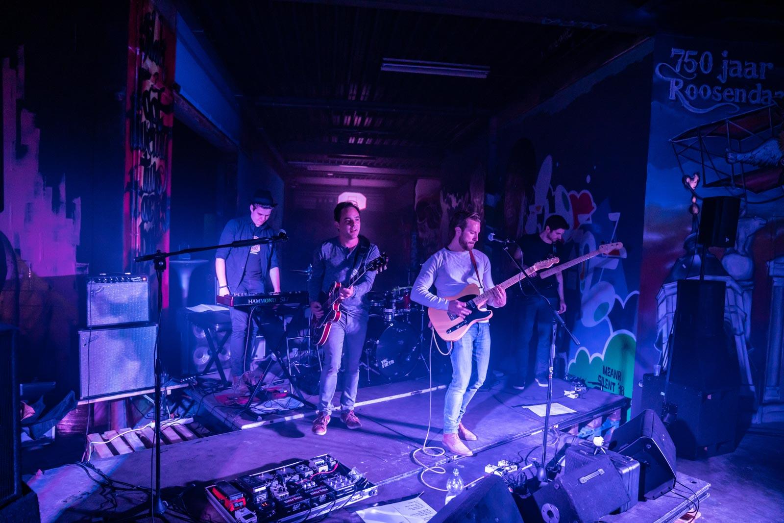 Optreden van The 5 AM bij Roosendaal Underground