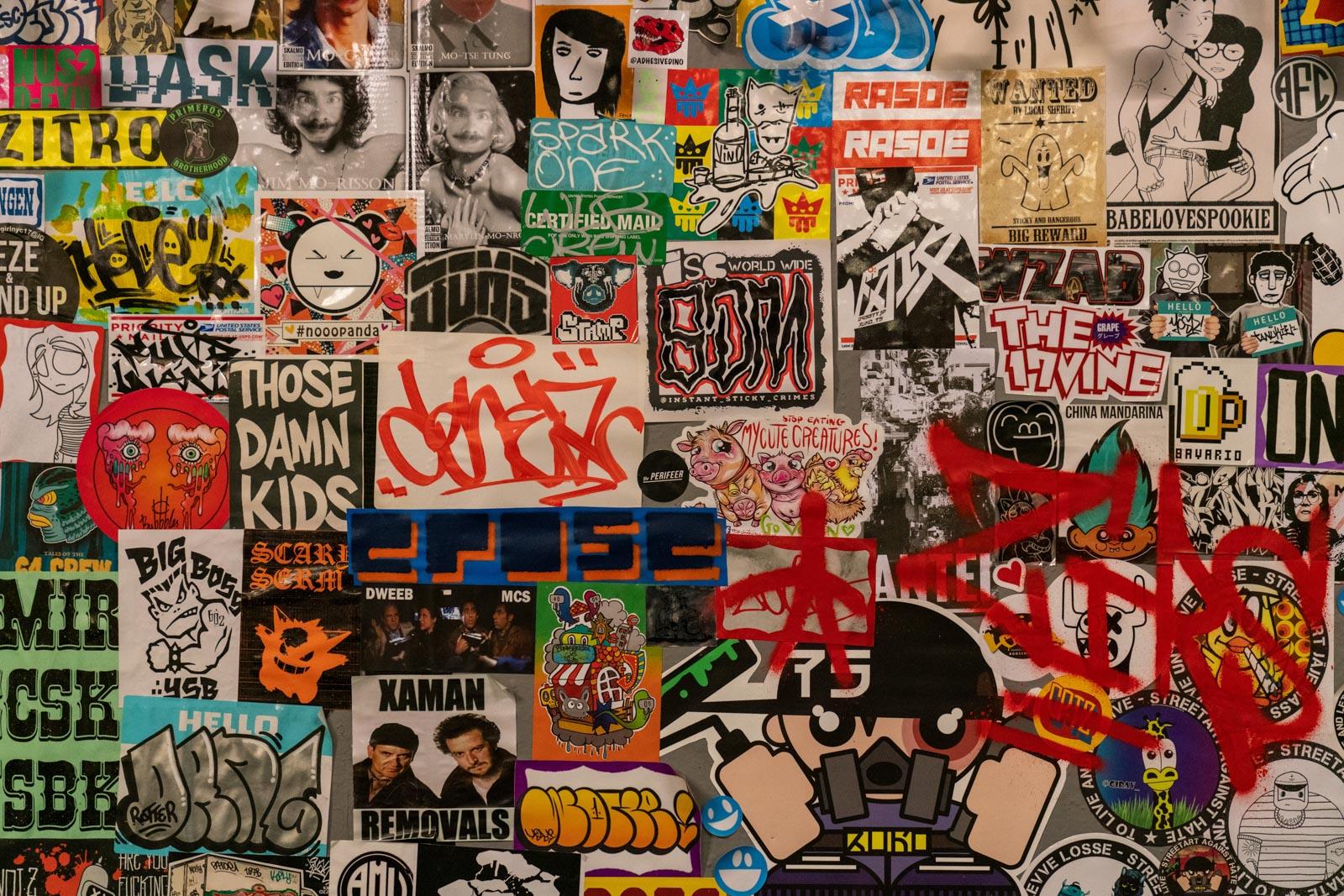 Stickers op de muur